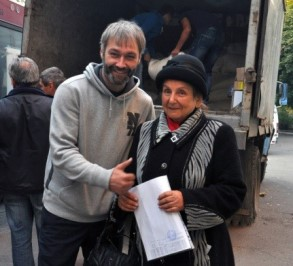 Brave driver, Andrey and Maria Filatova of the Gorlivka branch of League of Nazi victims